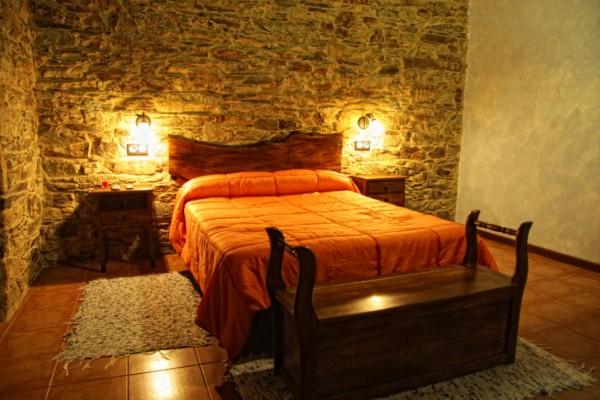 Habitacion cama de matrimonio for Amueblar habitacion matrimonio